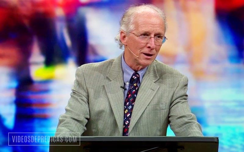 John Piper predica en su sermon sobre la santidad que Dios quiere, explica que es la santidad y como la podemos obtener