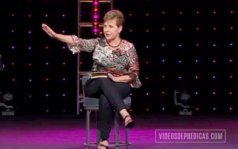 Joyce Meyer predica en su sermon sobre el amor, el amor quita el temor a ser rechazado, quien ama tiene el poder de mantenerse firme