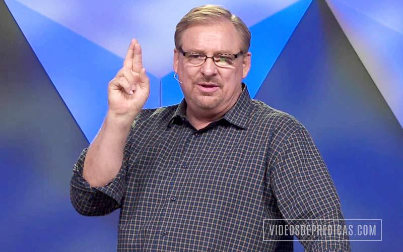 El Pastor Rick Warren predica las claves biblicas sobre la oración que Dios oye,