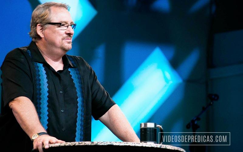 Rick Warren comparte en su sermon lo importante que cada persona es, Dios nos amo antes que nosotros a El y nos amo muy a pesar de nuestra condicion pecadora