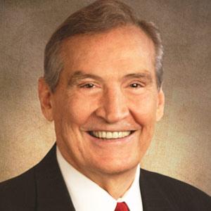 imagen del predicador Adrian Rogers